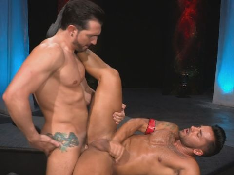 Inked Guy Ravaging Cock-squeezing Donk